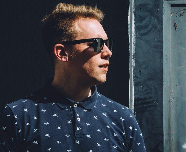 Tim De Bree, roeselare uitgaan, festivals grote fuiven cafe en privéfeesten kwalitatieve House maar als allrounder neemt hij er graag r&b,  hiphop, drum & bass, classics en vooral ook de hedendaagse hitjes moeiteloos bij.